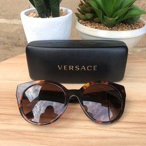 Versace Tortoise Sunnies!